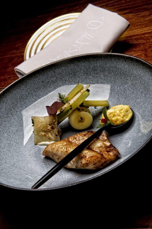 St-Pierre de petite pêche rôti, légumes anisés et réduction d'une soupe de poisson.